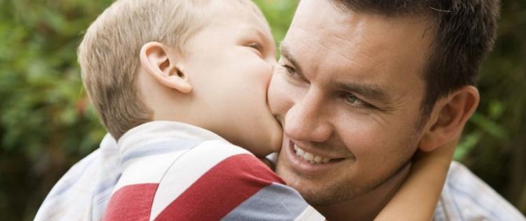 Des pères de plus en plus impliqués pour leurs enfants