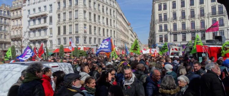 Le mouvement de grève à la SNCF ne dispose pas du soutien de l'opinion