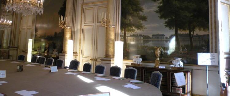 La rentrée de l'exécutif confrontée à la défiance des Français