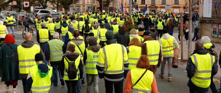 Les «Gilets jaunes» : la partie émergée de la crise sociale française ?