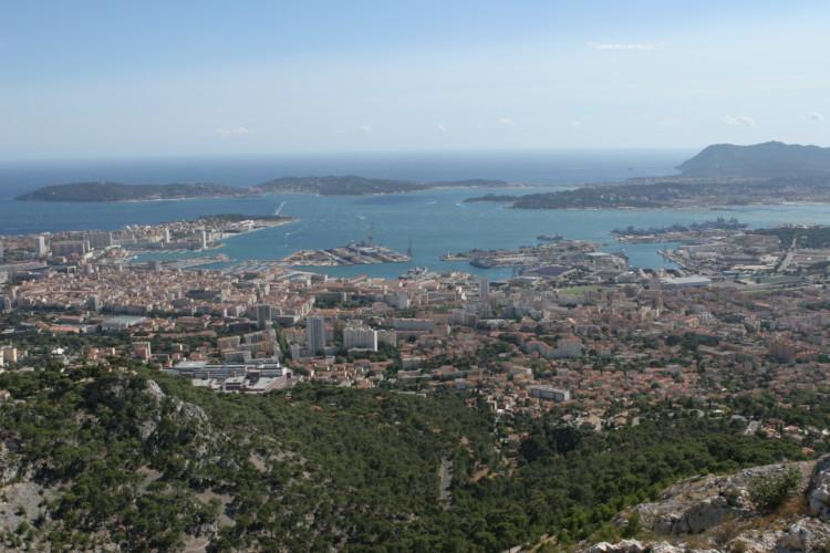 Municipales 2020 à Toulon : Hubert Falco largement en tête au 1er tour