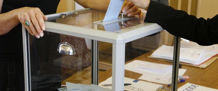 Élections européennes : 52% de participation à 20h (Estimation ELABE, France entière)
