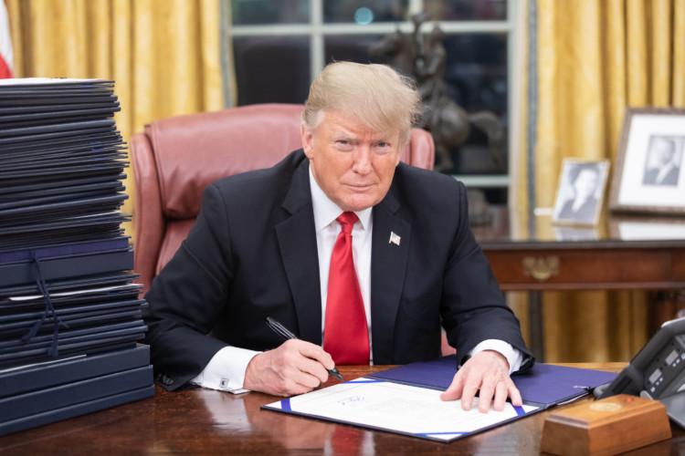 Donald Trump : une image négative dans l'opinion mais un bilan contrasté